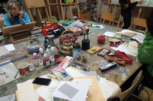 atelier,arts,plastiques,adultes,dessin,patchwork,couture,papier,théières
